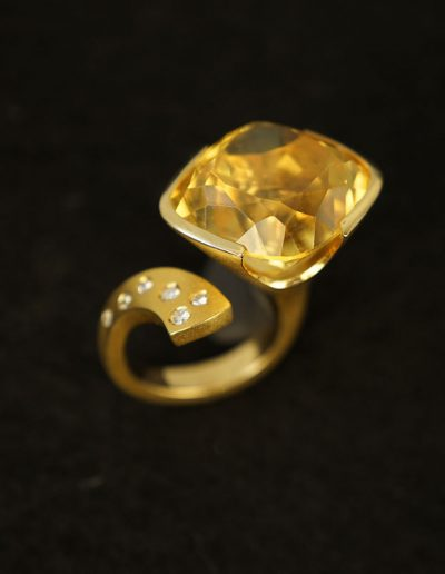 Unikat, Ring von Margot Leitges Goldschmiedemeisterin - Foto © bohl.de