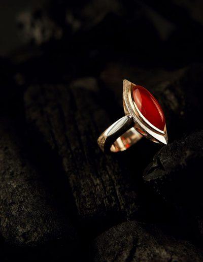 Ring - designed von Margot Leitges Goldschmiedemeisterin - Foto © bohl.de