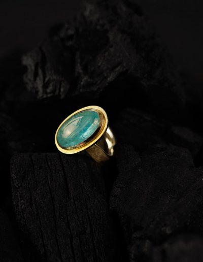 Ring Aquamarin - designed von Margot Leitges Goldschmiedemeisterin - Foto © bohl.de